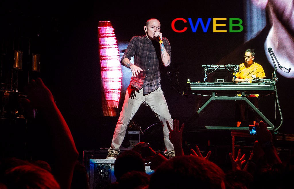 1024px-Chester_Bennington_at_Soundwave_2013