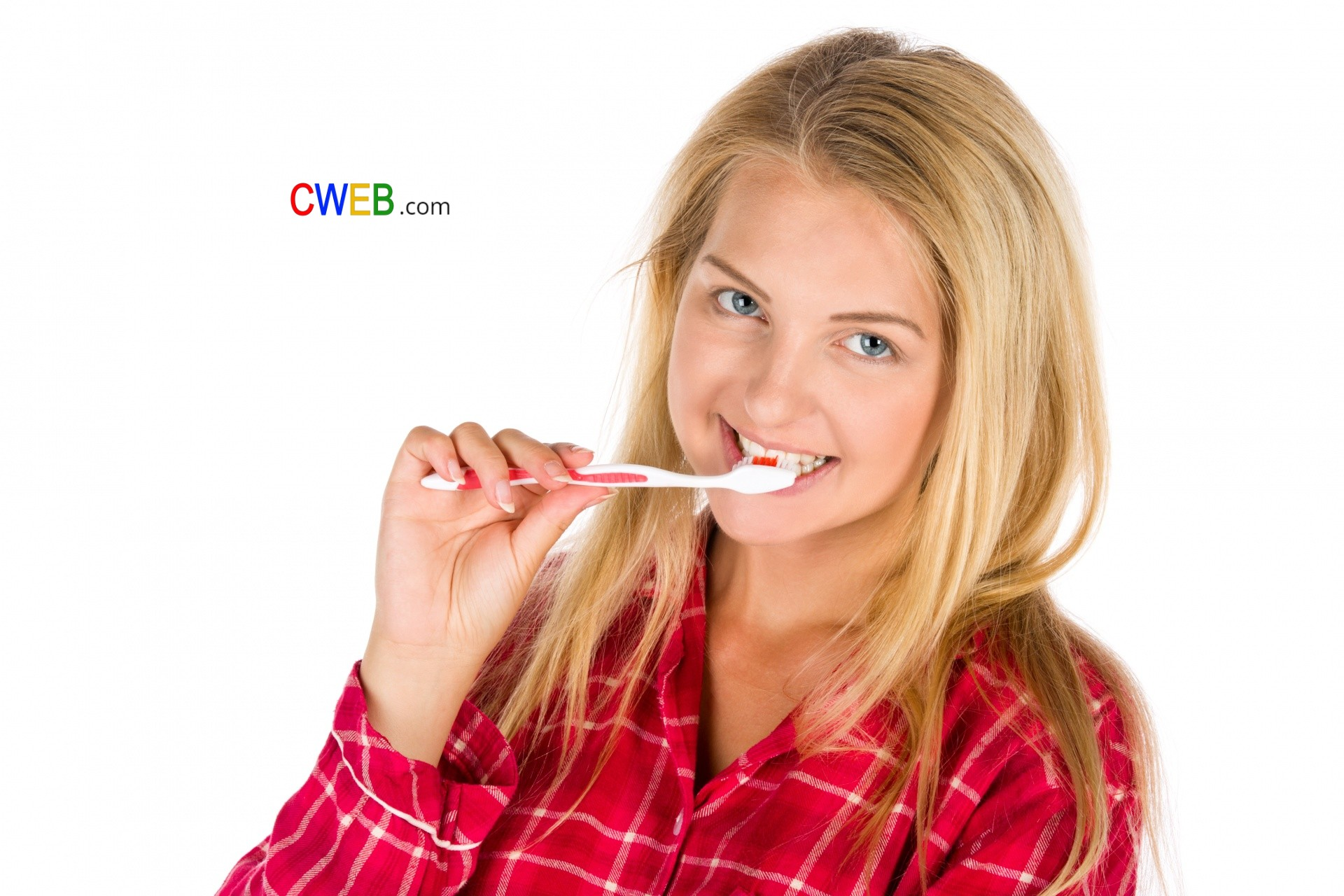 woman-brushing-teeth-150641485679F